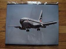 DELTA AIR LINES - LARGE PHOTO -  DELTA  737 LANDING - WIDGET LOGO - 20 X 16