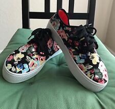Women's Floral Canvas Shoes Size 7.5