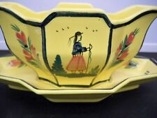 QUIMPER SOLEIL YELLOW GRAVY BOAT WITH ATTACHED UNDERPLATE - MAN