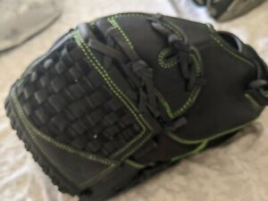 "Easton Synergy 12.5"" Fastpitch Softball Glove LHT SYMFP1250 Leather And Mesh"