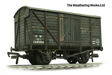 Bachmann 12t BR / GW Planked vent van wagon *PRO WEATHERED LOOK*