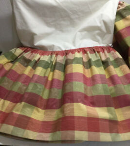 Country Curtains Brand Moire Buffalo Check Red Green Yellow KING Bed Skirt