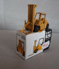 NZG Gabelstapler Cat B25 Caterpillar mit weißem Org.-karton
