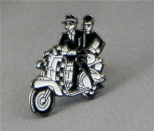 SKA COUPLE ON SCOOTER PIN BADGE BRAND NEW PIN CHEAPEST ON EBAY