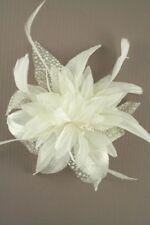 Boda / Ascot / Dama De Honor Crema peineta con flores y Plumas Tocado