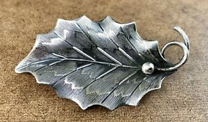 Vintage Beau Sterling Silver Holly Leaf Brooch Pin