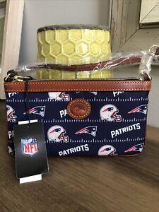 Dooney & Bourke New England Patriots Large Slim Wristlet Purse NWT!