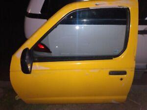 2001-2004 Nissan Frontier Xterra Driver Left Front Door Electric