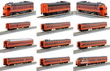 KATO 106-082 + 176-2301+1060430 N MILWAUKEE  Hiawatha 3 Locos #95A/B/A & 9 Cars