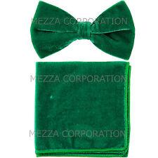 New in box Vesuvio Napoli men's pre tied Bow tie & Hankie Velvet Emerald Green