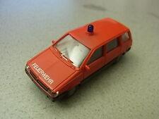 Rietze Mitsubishi Space Wagon Feuerwehr aus Sammlung  (16150)