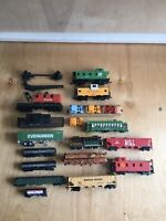 Lot Of Ho Scale Variety Box Cars & Other Stuff Lot Of 17 Selling As-Is