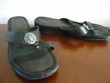Womens 9 Minnetonka Black Slide Round Silver/Turquoise/Red Accent