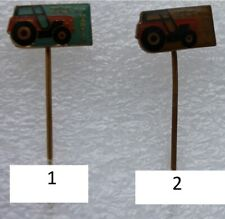 Pins badge pin Tracteur . tractor . John Deere ZTS . Numéro 2 sur la photo