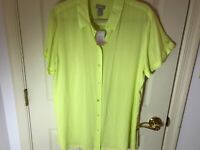 Woman's Chico's size 3 green rayon short tab sleeve button up blouse