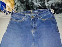 Womens Carhartt Relaxed  Jeans.Size 4  Inseam 30 .100655409. F506