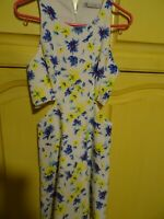 ZARA==robe fillette  fleurie 8/10ans