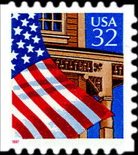 1997 32c Flag over Porch, Booklet Single, Red SA Scott 2921b Mint F/VF NH