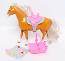 1997 Mattel Barbie Walking Beauty Horse Neck Bends Moveable Legs Picnic Set