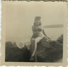PHOTO ANCIENNE - VINTAGE SNAPSHOT - FEMME SEXY PIN UP MAILLOT COIFFURE - HAIR 1