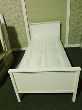 **New White solid wooden single bed*      *Read description**
