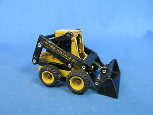 NEW HOLLAND 555 LOADER - 1:25 SCALE CONSTRUCTION EQUIPMENT WEST GERMANY