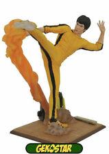 Bruce Lee Kicking - Bruce Lee Gallery Statue