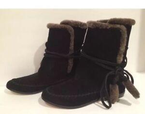 Cynthia Vincent Shearling Sheep Fur Short Flat Boots Suede Black 7 New