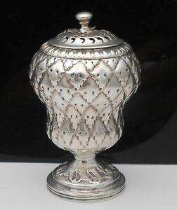 Georgian Sterling Silver Pepper Pot - Robert Hennell ii - London 1825