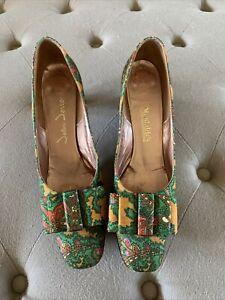 Vintage John Jerro 1960s Fabric Paisley Pumps  Heels Size 7 1/2 AAA