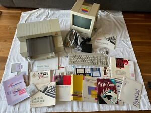 APPLE MACINTOSH CLASSIC II KEYBOARD PRINTER LG ASST. MANUALS DISCS NOT TESTED