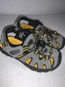 Khombu Boys Kyle Sandals Gray Yellow Straps Bungee Cord Hook and Loop Size 12