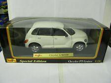 Maisto 1/18 Chrysler PT Cruiser white in box
