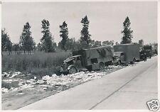 Nr 4052 Presse Foto Deutsche Soldatenzerschoßene Lastwagen LKW