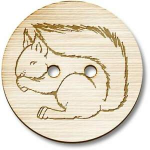 'Squirrel Eating' Wooden Buttons (BT005344)