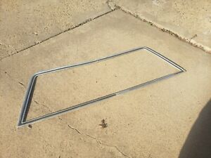 OEM VINTAGE 1972-1976 LINCOLN MARK IV REAR WINDSHIELD MOLDING