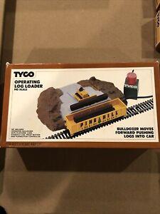 Vintage TYCO OPEATING LOG LOADER HO Scale train set accessory