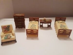 Vintage Renwal 6 Piece Yellow BEDROOM SET Dollhouse Furniture Plastic B5 FLAW