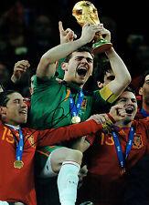 Iker Casillas Firmado Autógrafo España Copa del Mundo ganador 16x12 Foto Aftal Coa
