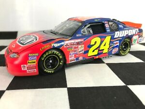 Las Vegas Win Raced Version 1:24 Jeff Gordon #24 DuPont 2001 Chevy #2208/3504