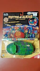 Fistful of Aliens GREEN Space Pod Pack Brand New Sealed 1998 Yes! figures