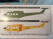 "Huey UH-1D ""Guerre du Vietnam/Canadian SAR Helicopter 1:32nd REVELL Box Kit Épuisé"