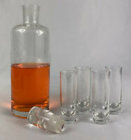 Vintage Art Deco-Style 23 ounce Decanter and 4- 2 ounce Shot Glasses