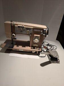 Vntg Stradivaro Super De luxe Zig Zag 142-B sewing machine