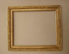 Superbe cadre en bois et stucs doré fin XIXe Siècle : feuillure : 49 x 39 cm