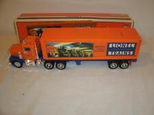 Lionel-TMT 18011Box Trailer & Tractor-New in Box