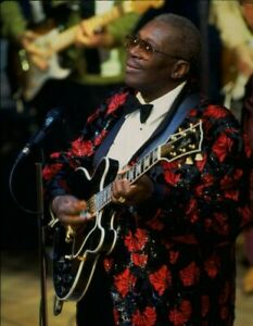 B.B. King UNSIGNED photograph - M2475 - American blues singer - NEW IMAGE!!!
