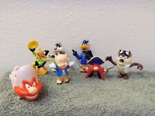 lot of 7 older Loony Toons fast food pvc figures