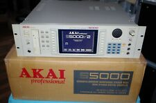 Akai S 5000 Sampler  / 8 Out / 64 Voice / 32 MB / OVP