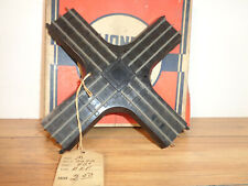 LIONEL OO SCALE - 0070 THREE RAIL 90 DEGREE CROSSING AND WORN BOX
